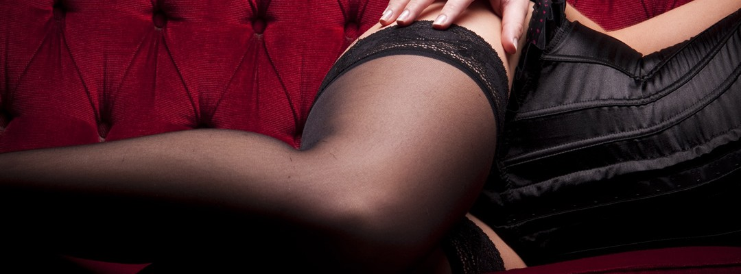seance-photo-boudoir-nocturne-photographe-boudoir-lille-nord-pas-de-calais-lingerie-chambre-studio (3)