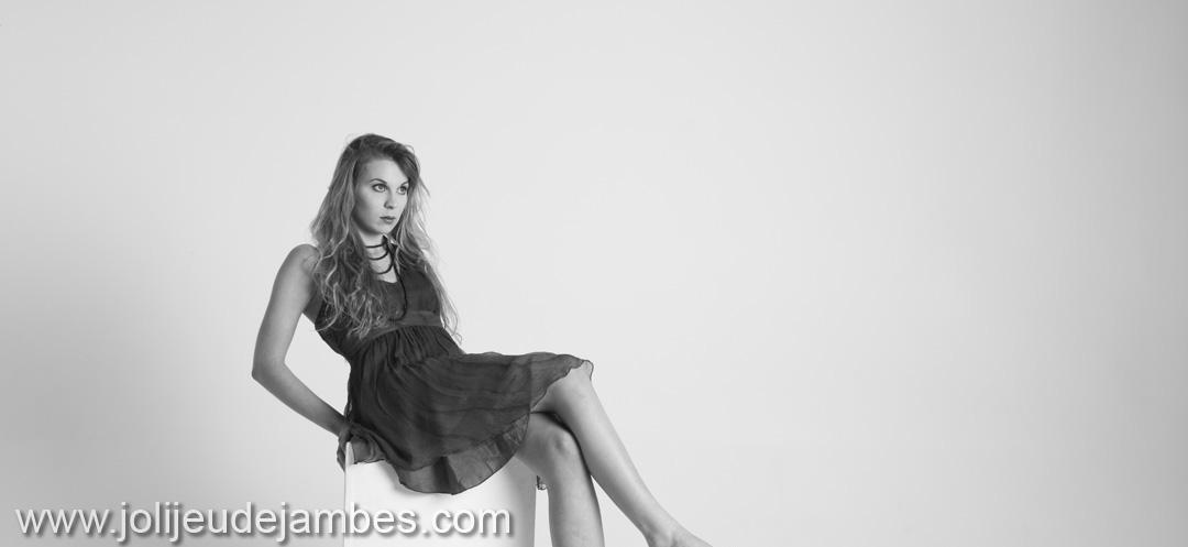 seance-photo-portrait-femme-studio-photographe-lille-arras-dunkerque-valenciennes-book-professionnel (7)