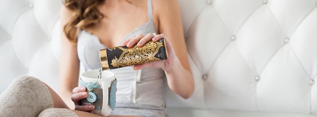 seance-photo-boudoir-lille-photographe-femme-lingerie-portrait-chambre-cadeau-original-futur-mari (3)-2