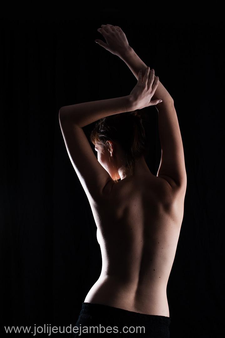 séance photo nu caché en studio à Lille - photographe boudoir nord pas de calais