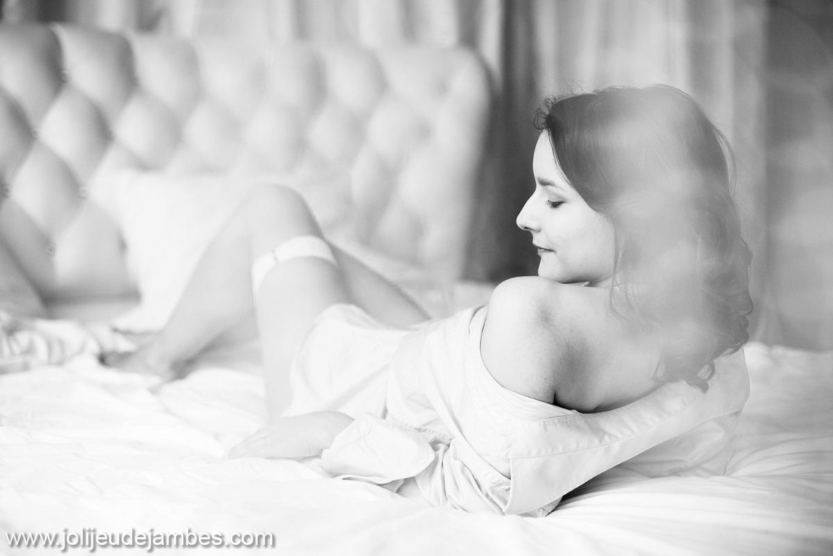 photographe boudoir lille, le cadeau idéal pour son futur mari : de belles photos sexy et douces, qui mettent en valeur votre féminité et vos courbes
