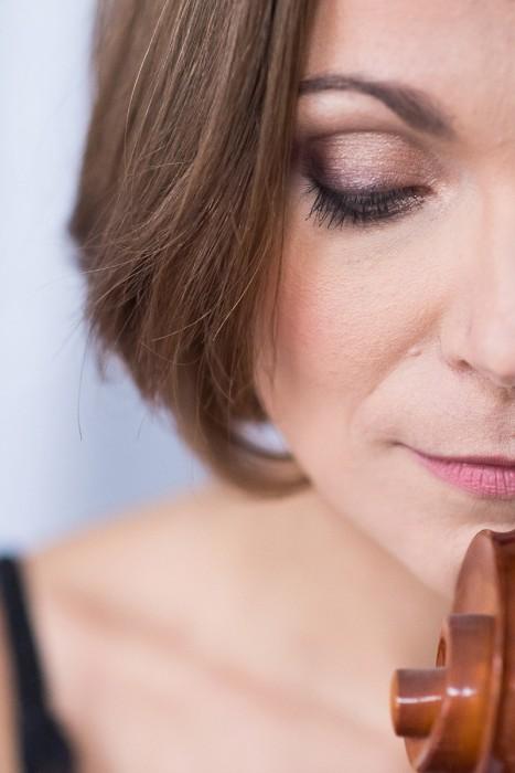 portrait glamour à lille avec violoncelle photos originales avec instrument de musique