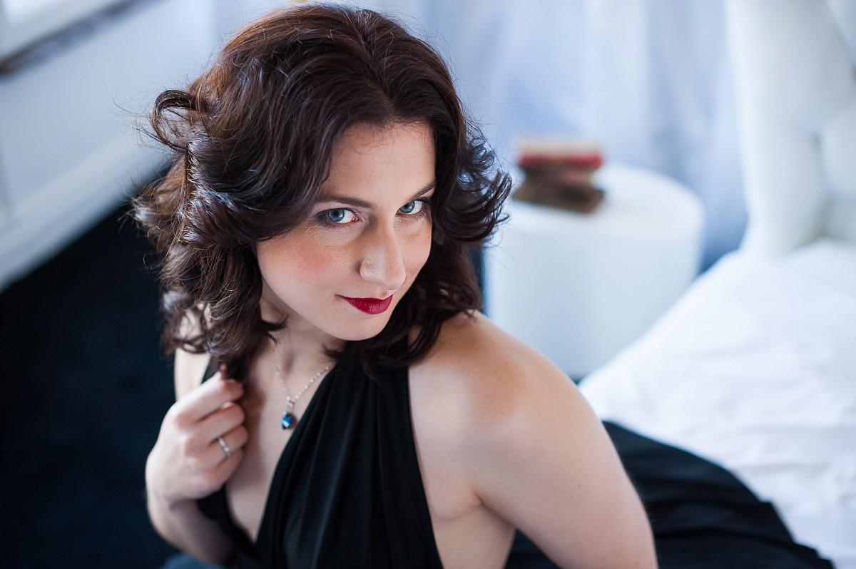 portrait de femme sensuel et glamour photographe spécialiste de la femme à lille