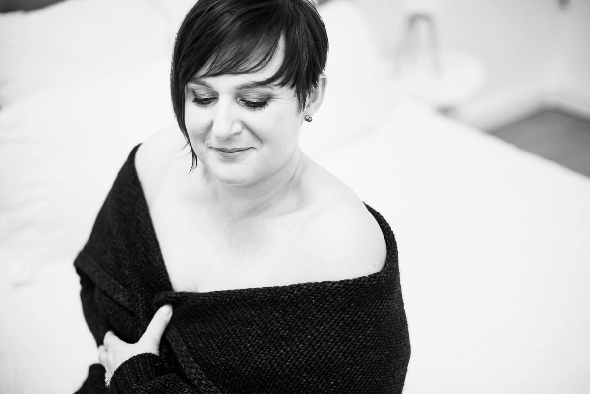 portrait de femme ronde glamour et sensualité Photos boudoir lingerie Lille